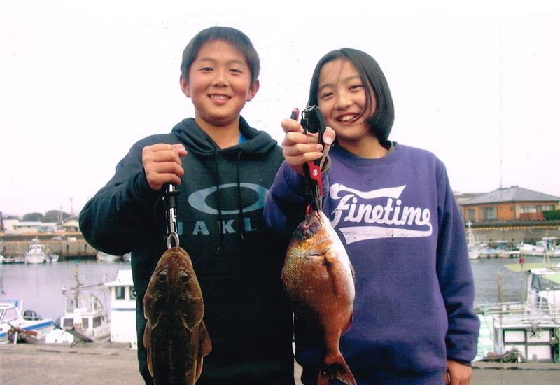 釣りいかだ「隼人の海」釣果の様子